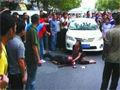 警方公布砸穿驾日系车市民颅骨嫌疑人照片