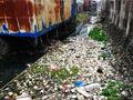 老板曝河流工业污染 赏20万请环保局长游泳