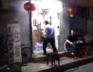 两少年辍学私奔至武汉 宾馆房间内烧炭自杀