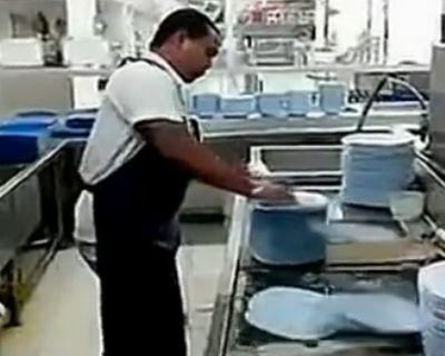 逆天哥神速洗碗