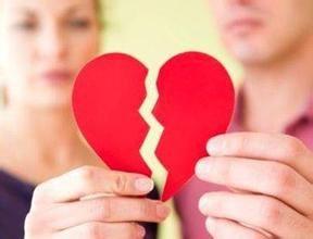 情侣刚领证便离婚
