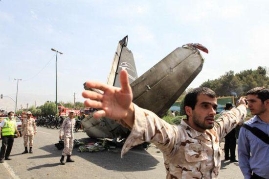 伊朗客机坠毁现场