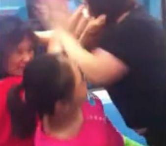 妇女地铁争座互殴