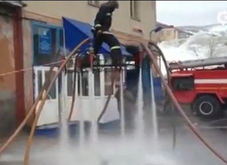 消防员自制飞行器